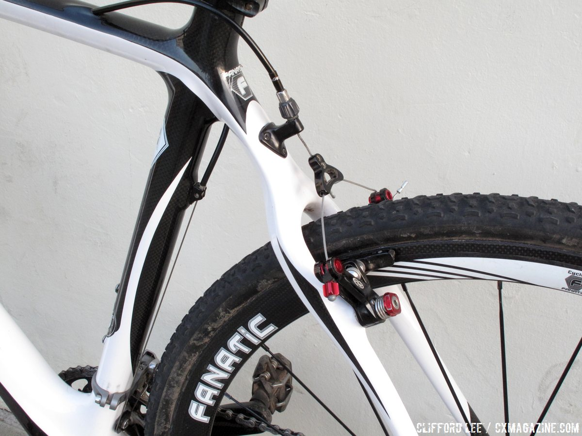 the-rear-brake-cable-runs-internally-through-the-top-tube-with-the-same-routing-for-cantilever-or-disc-setups-cyclocross-magazine