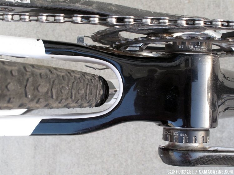 The lack of accessibility to the rear cable near the bottom bracket shell can make setup a little tricky. © Cyclocross Magazine