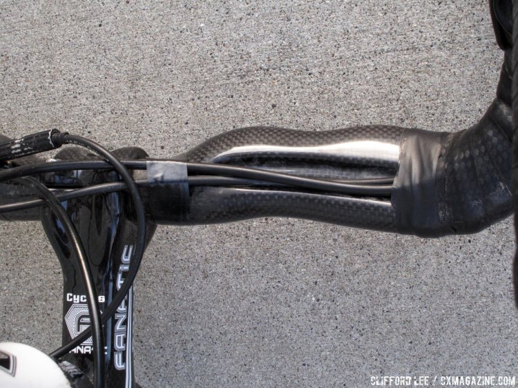 The Cycles Fanatic carbon fiber handlebars allow for stealth cable routing and have a large surface area which is nice for big hands, but we still might opt for alloy bars for cyclocross. © Cyclocross Magazine