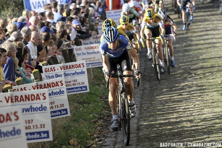 Helen Wyman led up the climb on the first lap, but would soon be overtaken by de Boer. © Bart Hazen / Cyclocross Magazine
