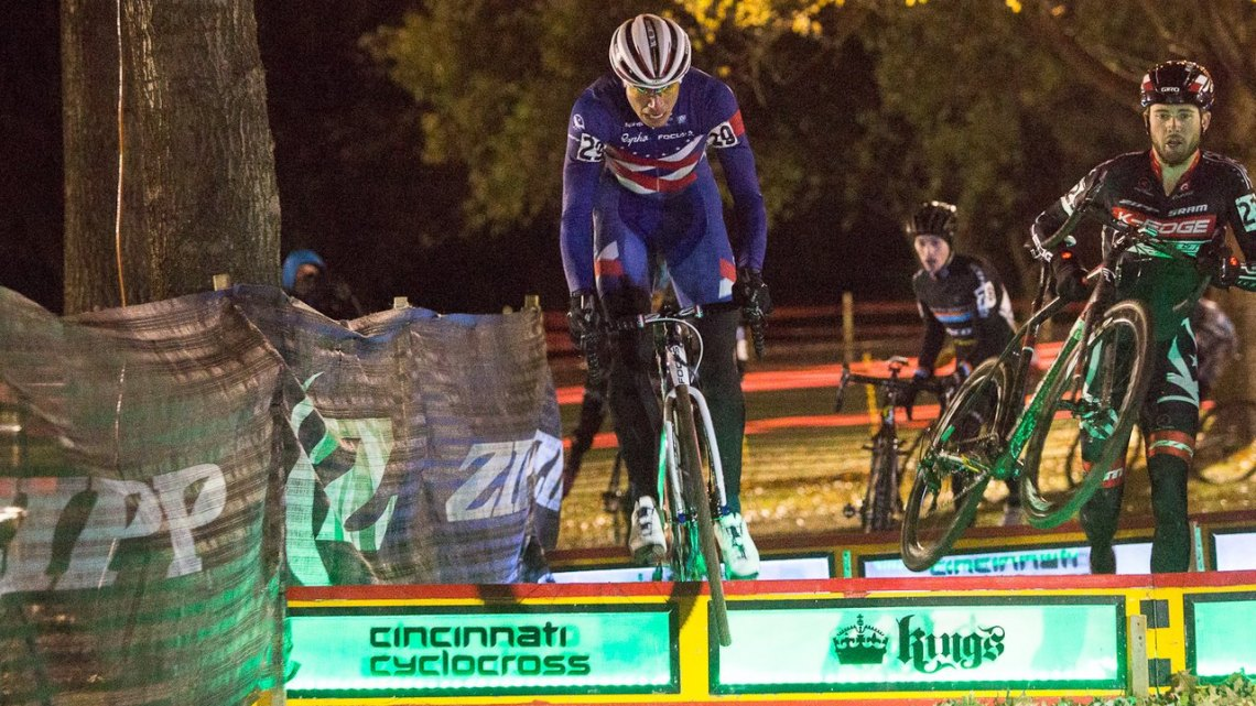 Powers powered over the barriers, with Summerhill running right behind. © Kent Baumgardt