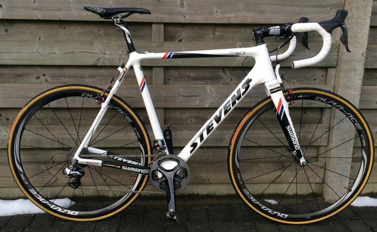 Wietse Bosmans' model is the newly released version of the standard team bike colors and components for Enertherm-BKCP