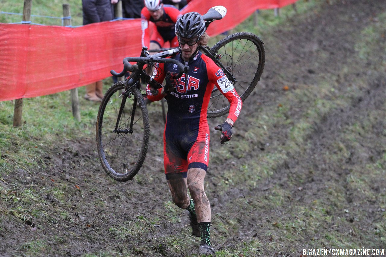 andrew-dillman-runs-through-the-mud-at-namur-for-35th-bart-hazencyclocross-magazine