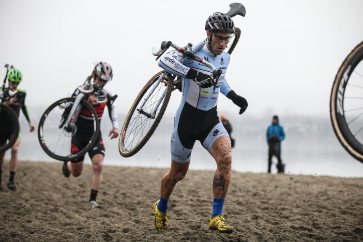 Adam Myerson leads Lindine through the beach section, both riders had great rides on day one. © Meg McMahon