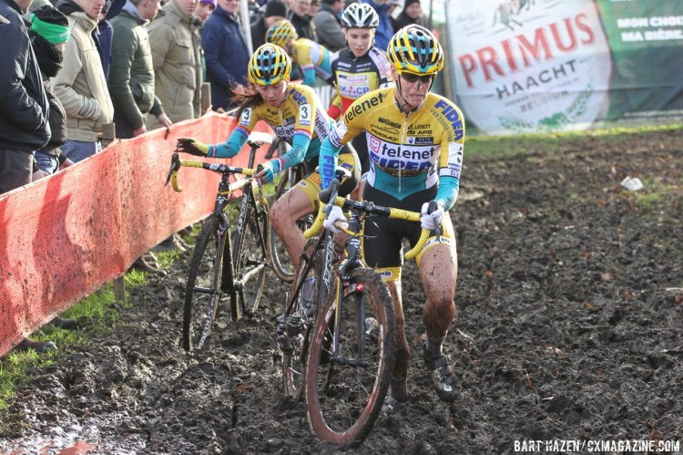 Van Loy, a notoriously fast starter, is caught by Harris and Cant. © Bart Hazen/Cyclocross Magazine