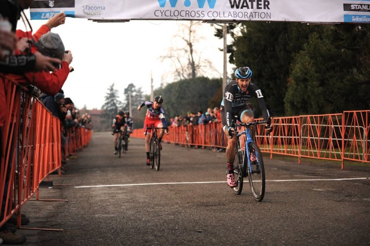 Ben Berden (RALEIGH/CLEMENT) crosses the line just a couple of bike lengths ahead of Logan Owen (CALIFORNIA GIANT CYCLING) to win the MFG Cyclocross Waves For Water Cross Collaboration for Project Nigeria at Ft. Steilacoom, WA.© Matthew J. Clark/StraightEIGHTFilms.com