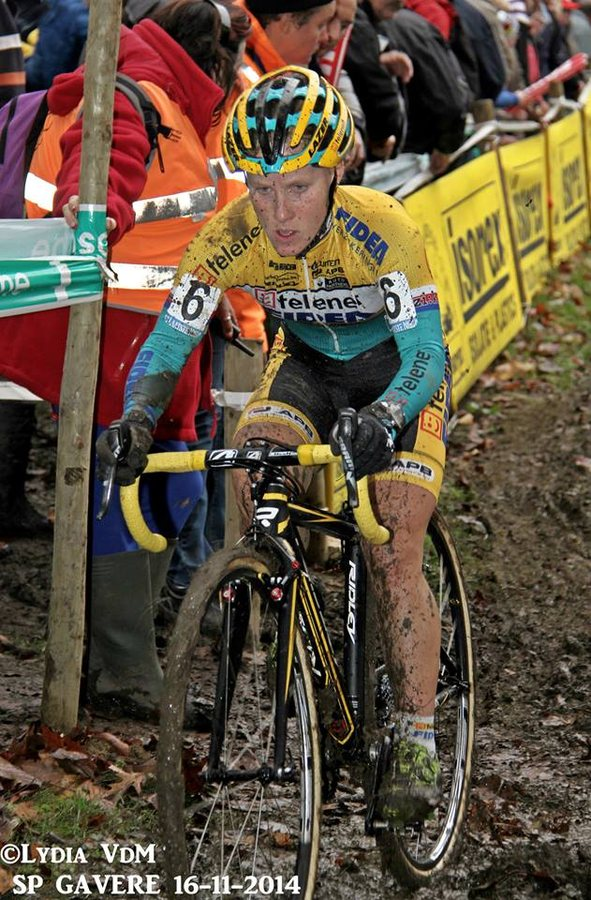 Havlikova churning through the mud at Superprestige Gavere. © Lydia van de  Meerssche
