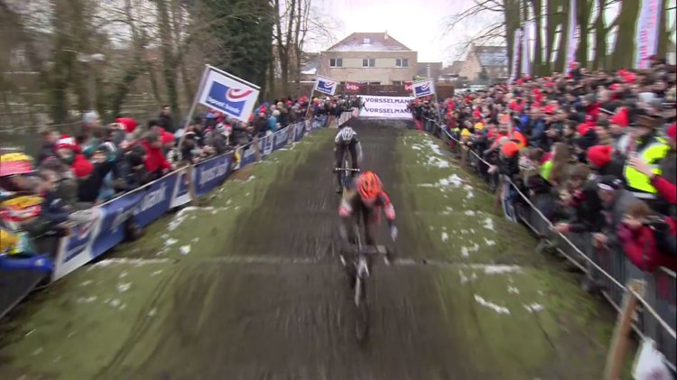 The carpeted rollers of Azencross was a brief respite from the heavy mud of Loenhout. 2014 Bpost Bank Trophy race #6.