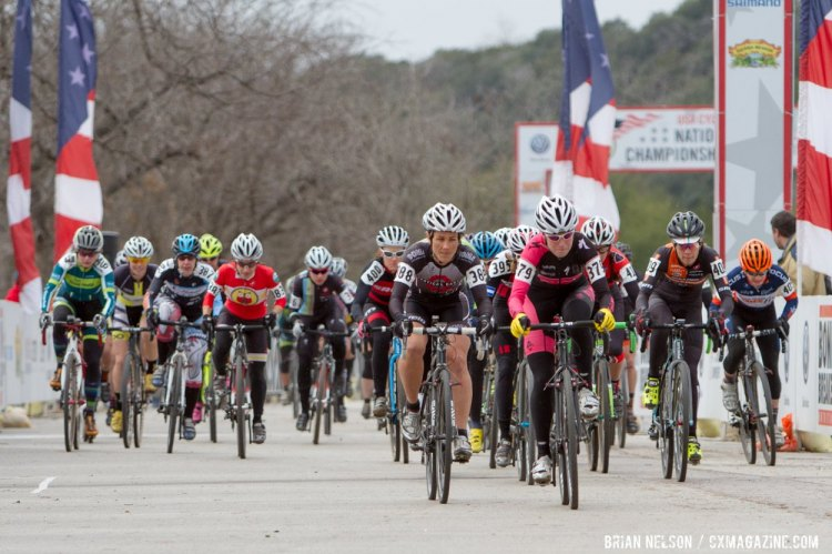 Melissa Barker (Evol Elite Racing) got the hole shot, but the battle with Webber was just getting started. © Brian Nelson