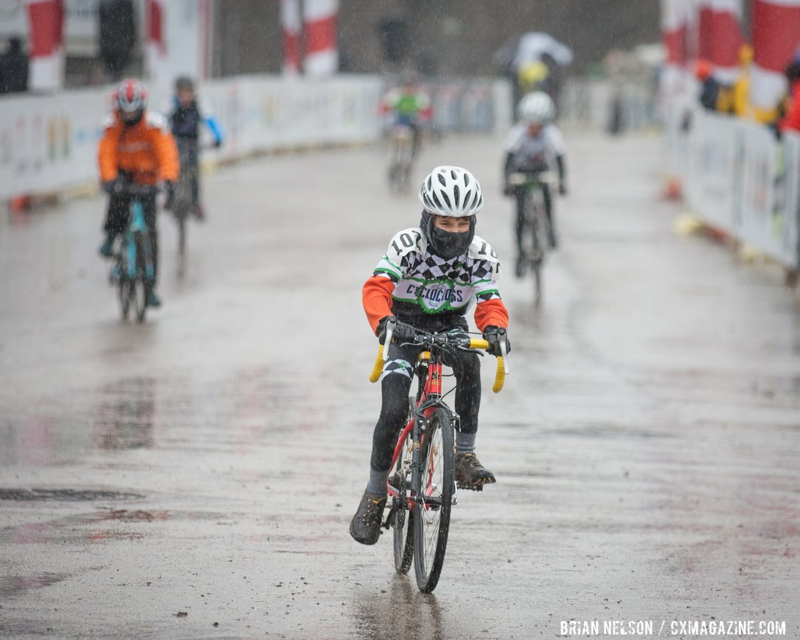 jake-batson-cyclocross-project-2015-battling-tough-conditions-in-the-junior-mne-11-12-race-brian-nelson