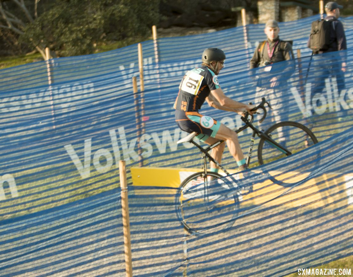 hopping-the-uphill-barriers-cyclocross-magazine