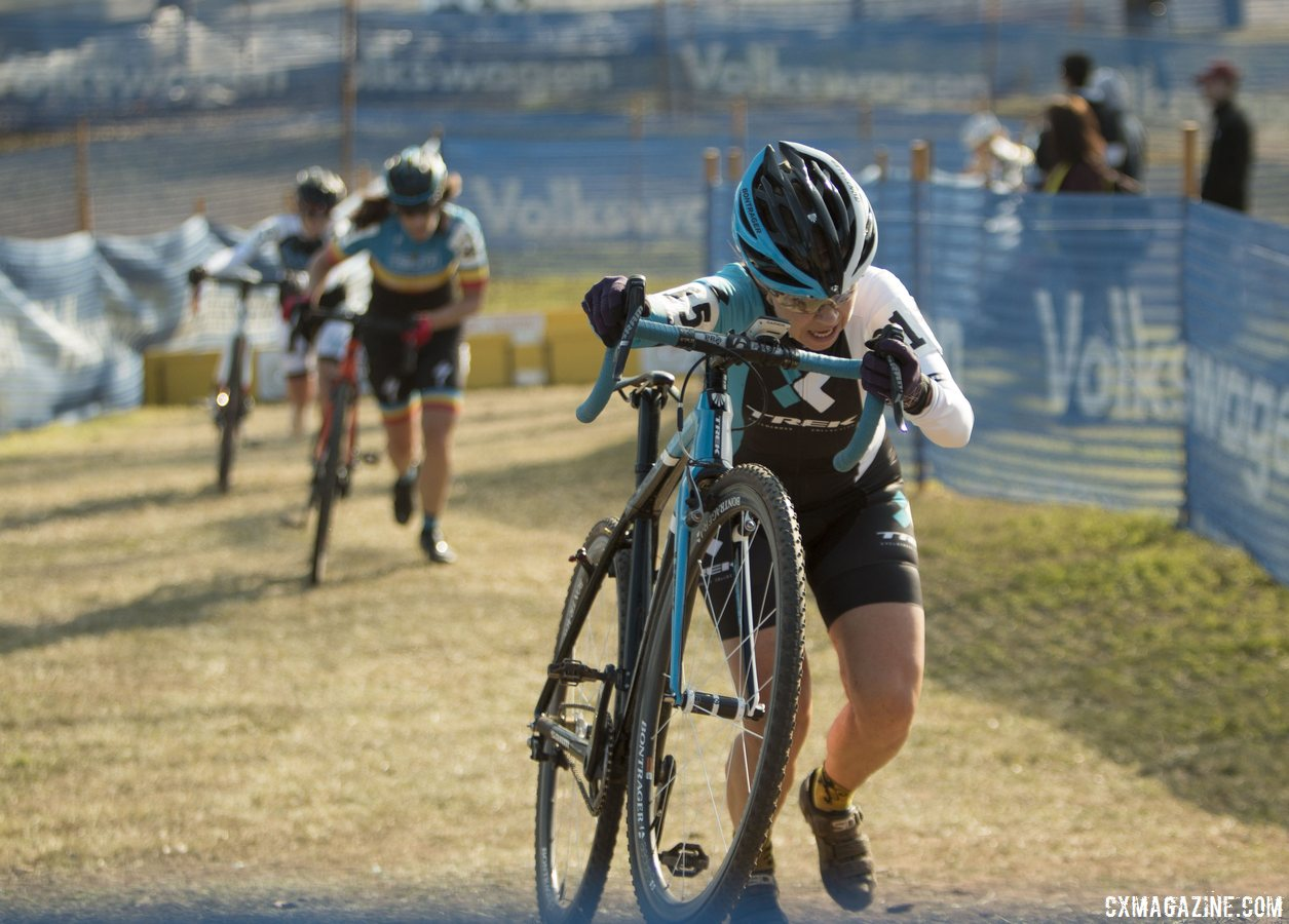the-singlespeeds-made-it-difficult-to-get-traction-after-a-set-of-cruelly-positioned-barriers-cyclocross-magazine
