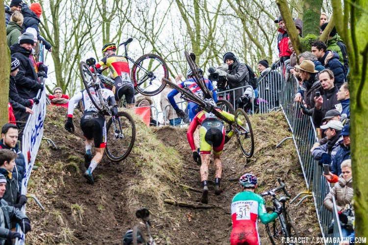 The course at Hoogerheide tested the strength and technique of all riders Sunday. © Thomas van Bracht / Cyclocross Magazine