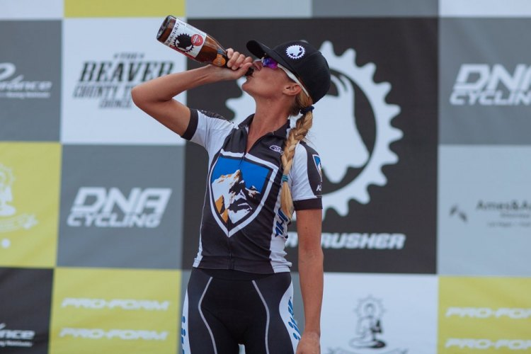 KUHL's Joey Lythgoe savors the spoils of victory as the 2014 Crusher Pro Women's champion. photo: Catherine Fegan-Kim