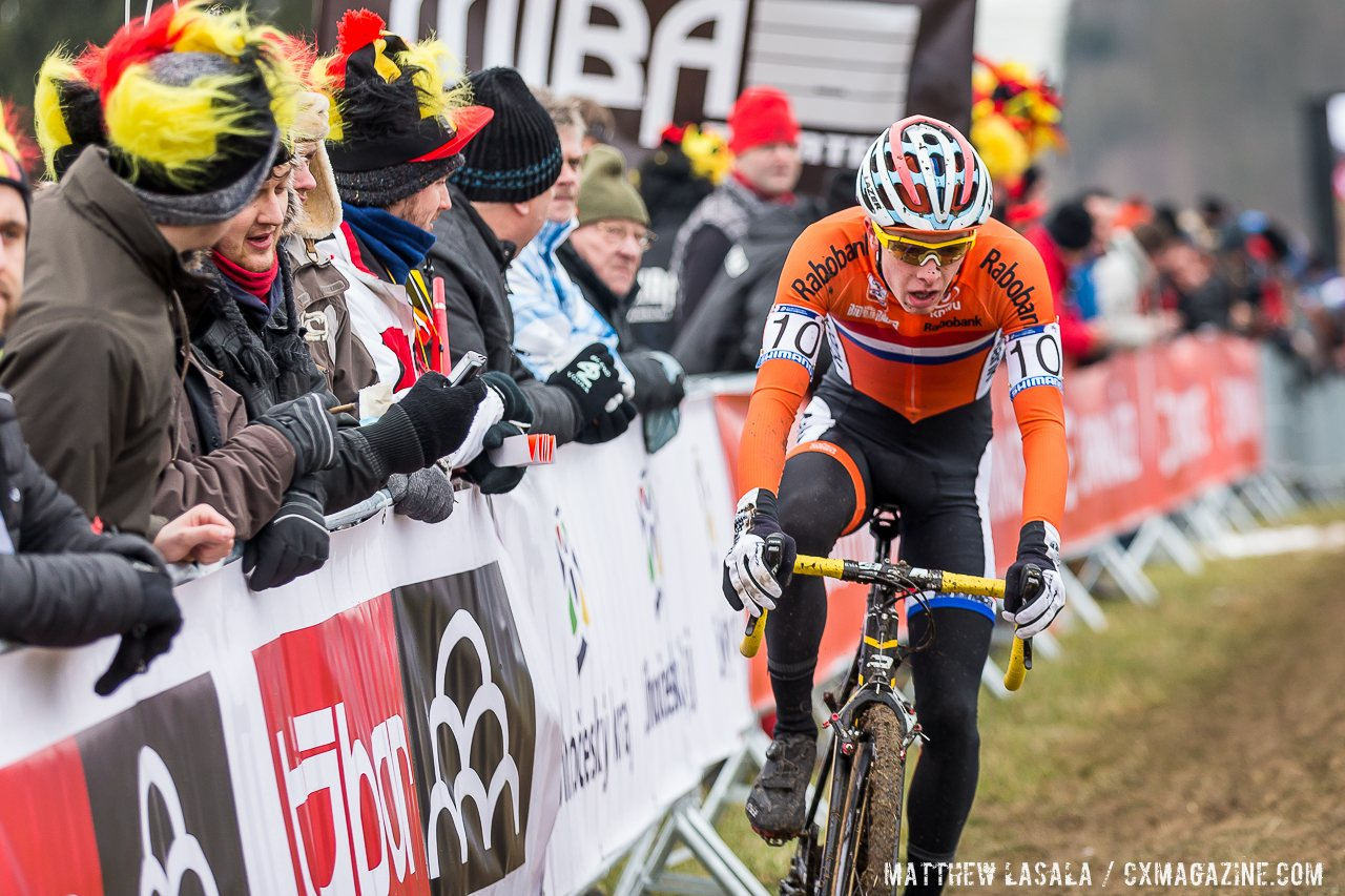max-gulickx-battled-gage-hecht-for-third-and-took-it-in-the-last-corner-when-hech-became-unclipped-mathew-lasala-cyclocross-magazine