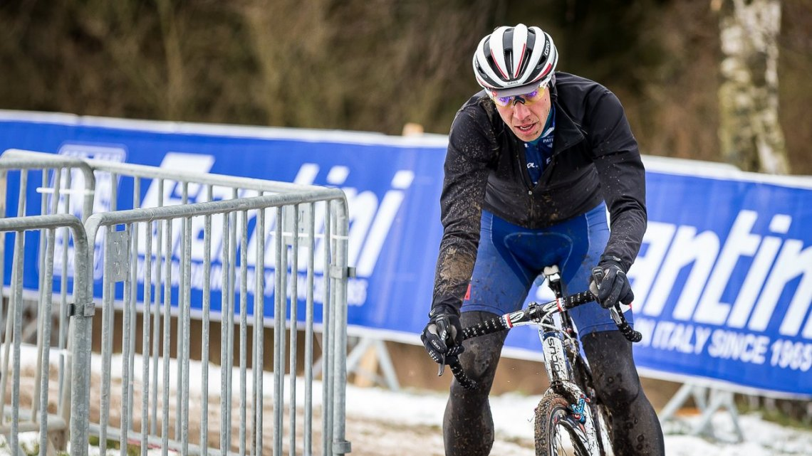 Jeremy Powers also gets the lay of the land on Friday morning. He must have practiced his front row call-up start, too. © Matthew Lasala/Cyclocross Magazine