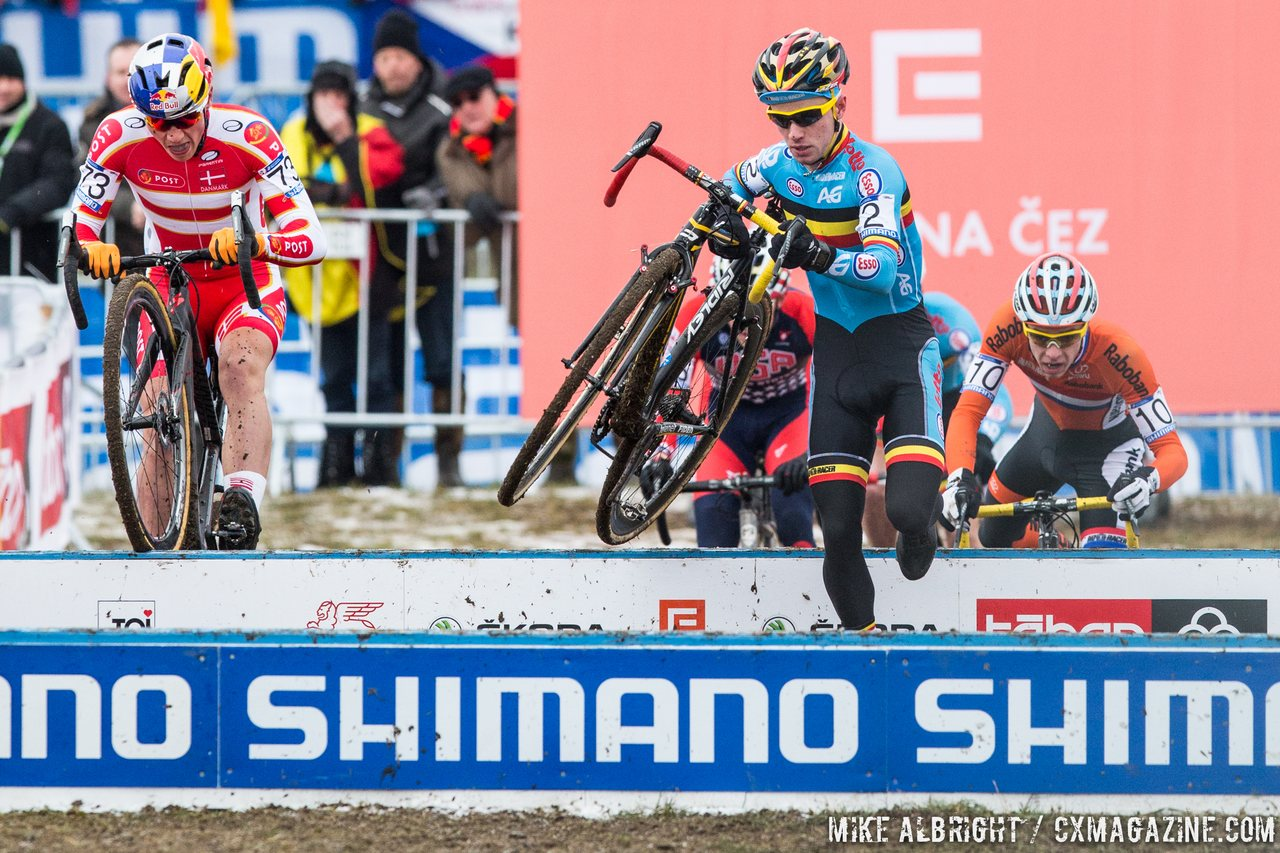 iberbyt-grabbed-the-holeshot-but-andreassen-passed-with-his-hopping-skills-mike-albright-cyclocross-magazine