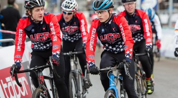 The Junior Men's team warming up together. © Mike Albright / Cyclocross Magazine