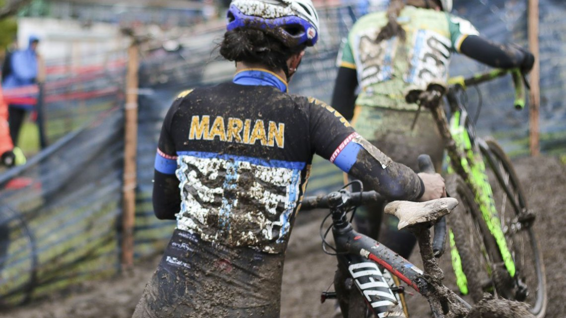 The leaders combated mud on the tough course conditions in Austin. © Cyclocross Magazine