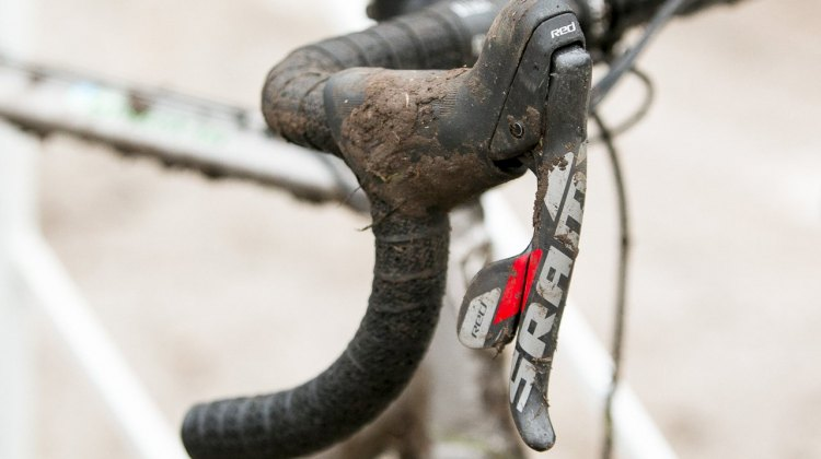 The tried and true technology is good enough for a win. Hecht uses 10-speed SRAM Red Shifters and mechanical disc brakes. © Cyclocross Magazine