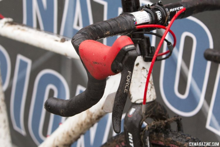 First-gen SRAM Force DoubleTap levers handled rear shifting and braking. © Cyclocross Magazine