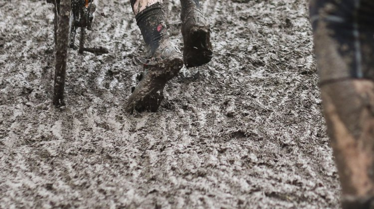 The Juniors needed to contend with the roughest conditions on the day. © Cyclocross Magazine