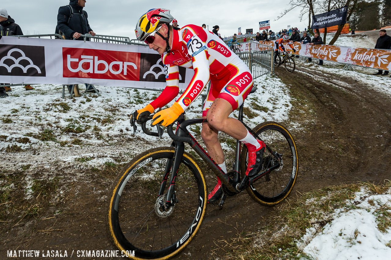dane-andreassen-hopped-the-barriers-to-his-advantage-and-then-rode-away-from-iserbyt-hecht-and-the-other-challengers-mathew-lasala-cyclocross-magazine