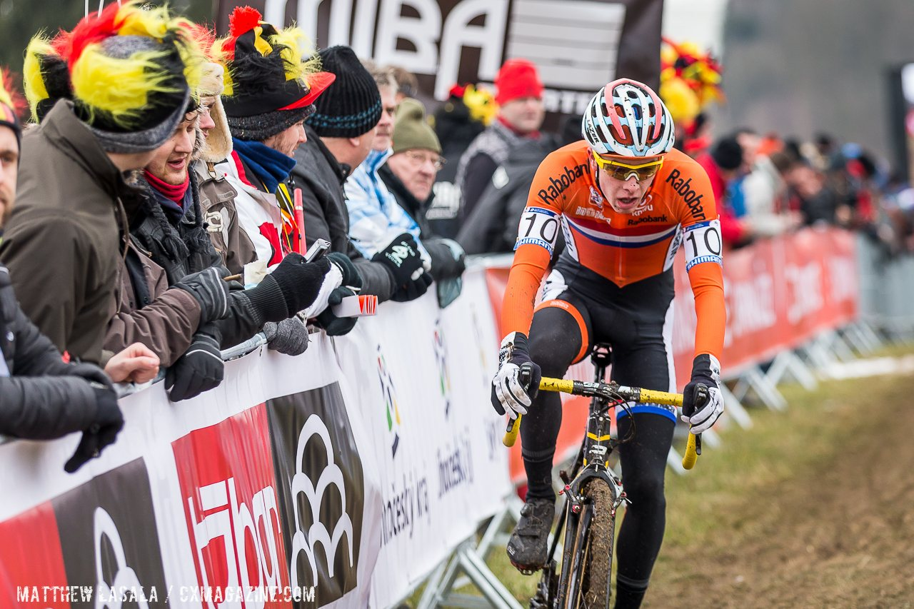 gulickx-moved-up-to-catch-iserbyt-and-hecht-and-would-finish-in-the-medals-mathew-lasala-cyclocross-magazine
