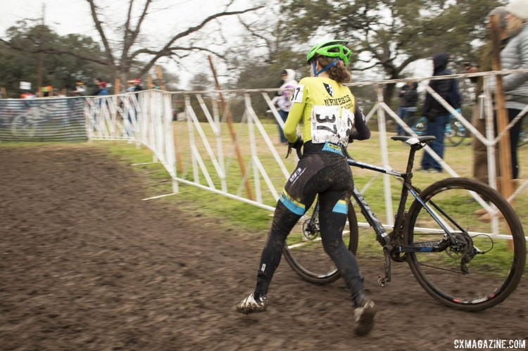Andi Zolton (Nemesis Racing) runs past several prominent Heritage trees on the frontside of the course - 2015 Cyclocross National Championships © Cyclocross Magazine