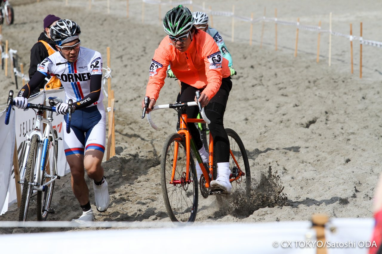 did-former-national-champion-tsujiura-make-a-cameo-in-the-amateur-races-2015-tokyo-cyclocross-day-1-satoshi-oda