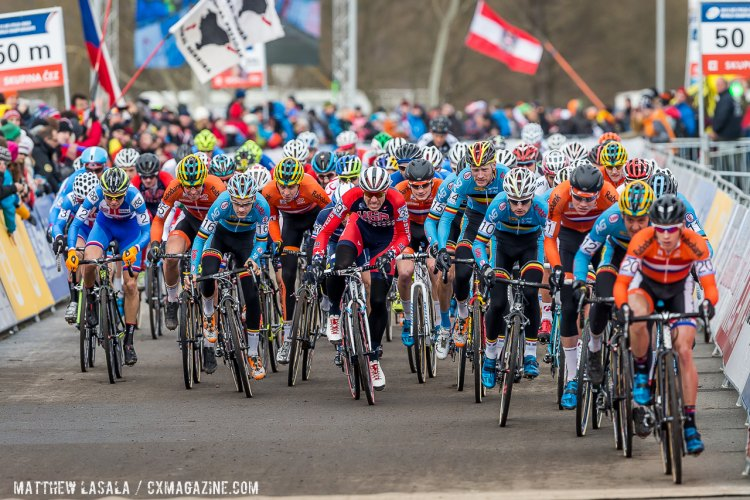 The men erupted off the line at Tabor, with Van der Haar taking the holeshot and Powers fighting to stay up front until the first turn. © Matthew Lasala/Cyclocross Magazine
