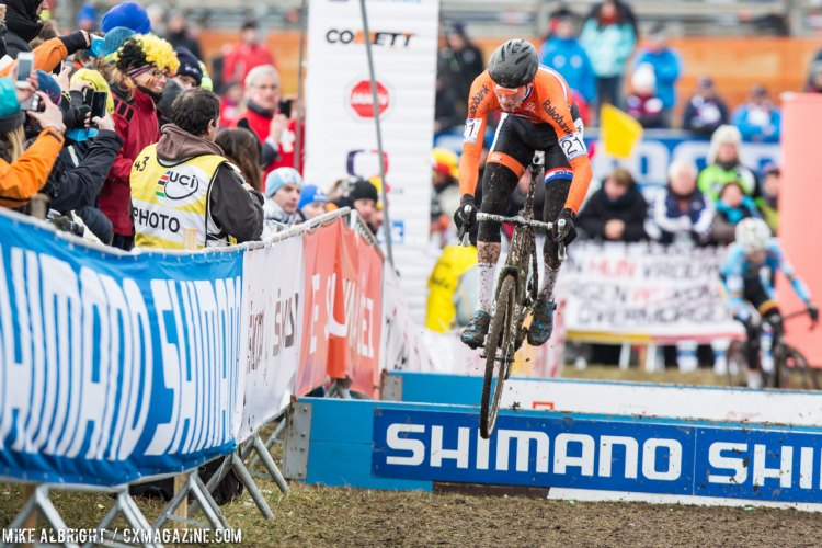 He wasn't the smoothest, but after bobbles on the first two laps, Vathourenhout used the skills to his advantage. © Mike Albright / Cyclocross Magazine