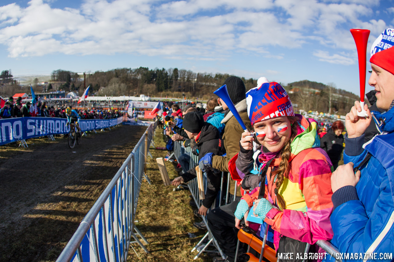 fans-of-all-ages-showed-their-spirit-u23-men-2015-cyclocross-world-championships-mike-albright-cyclocross-magazine