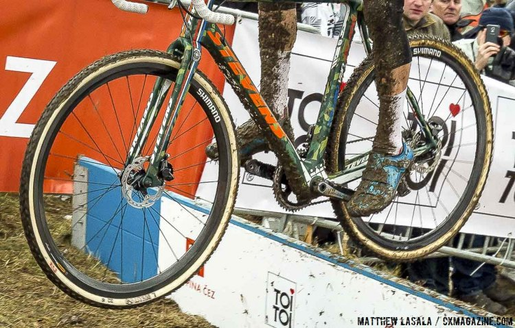 Mathieu van der Poel actually flatted in the race, and swapped his front wheel, changing from a 33mm Rhino to a 32mm Rhino in the process. © Matthew Lasala / Cyclocross Magazine