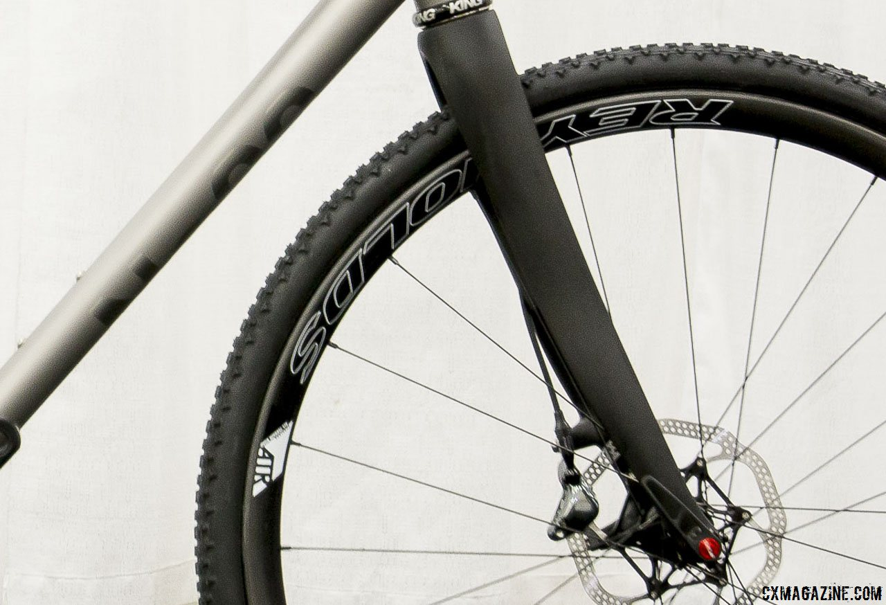 trps-carbon-disc-brake-thru-axle-cyclocross-fork-on-the-no-22-broken-arrow-cyclocross-bike-as-seen-at-nahbs-2015-in-louisville-cyclocross-magazine