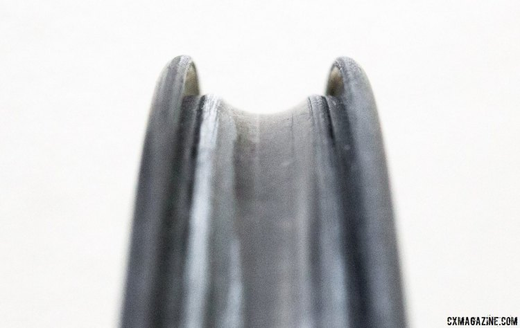 The Easton EC90 SL carbon tubeless rim is 19mm wide (internal) and 38mm deep. © Cyclocross Magazine