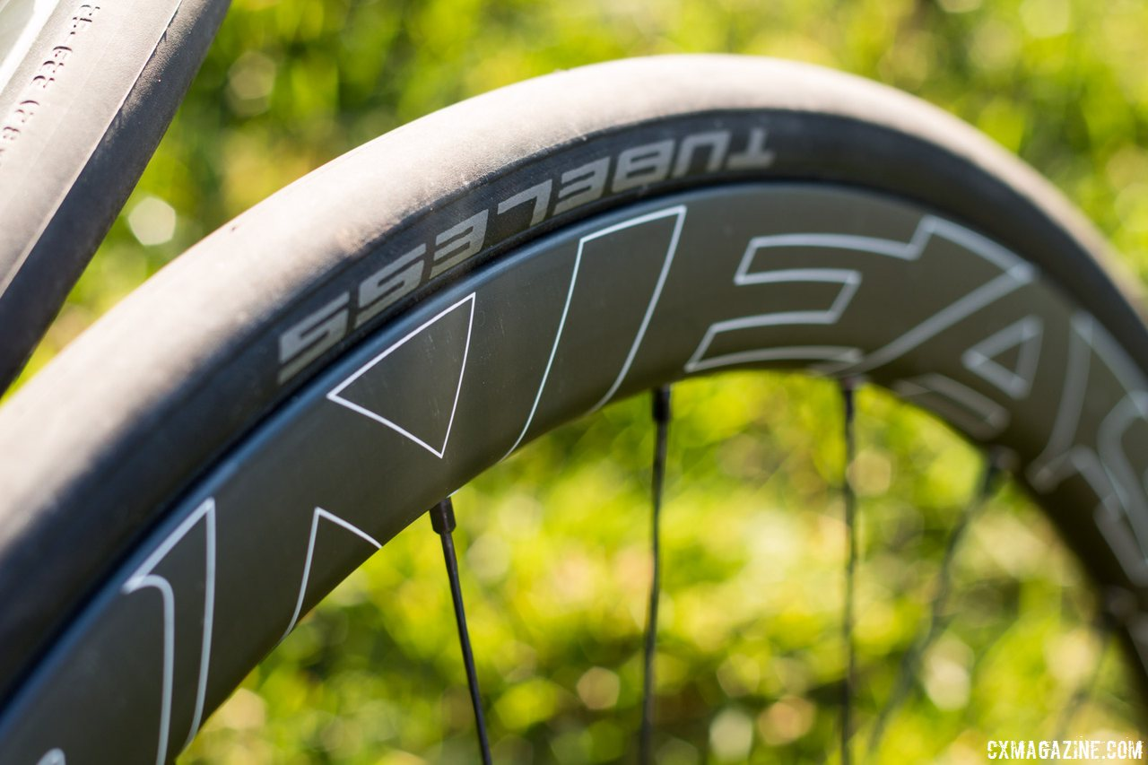 first-ride-easton-ec90-sl-carbon-tubeless-wheelsets-28mm-external-width-rim-is-wider-than-the-schwalbe-25c-tubeles-tire-cyclocross-magazine