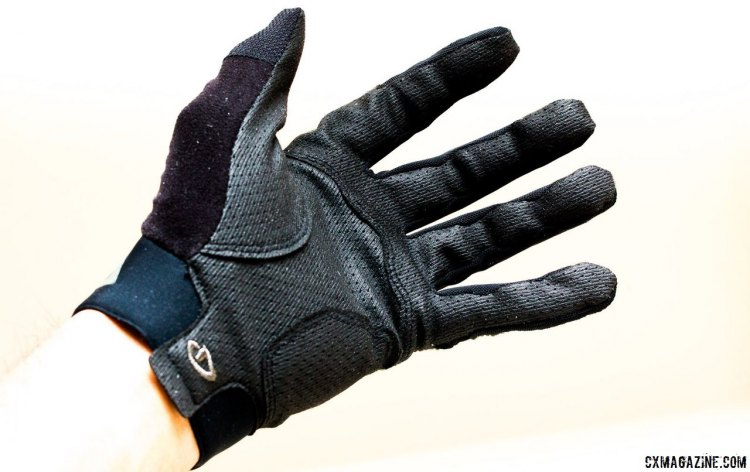 The Giro Rivet II Gloves conformed to our hand like a second skin. © Cyclocross Magazine