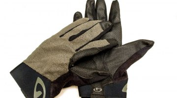 The Giro Rivet II long finger cycling gloves. © Cyclocross Magazine