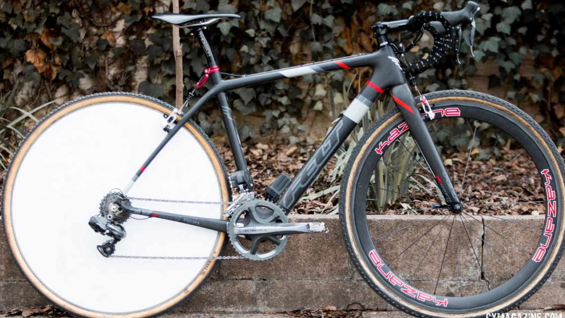 Paul Curley's head turning Felt F1x with his iconic aero disc wheel. © Cyclocross Magazine
