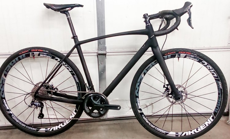 A spy photo of Raleigh's new Carbon Roker Gravel Bike.