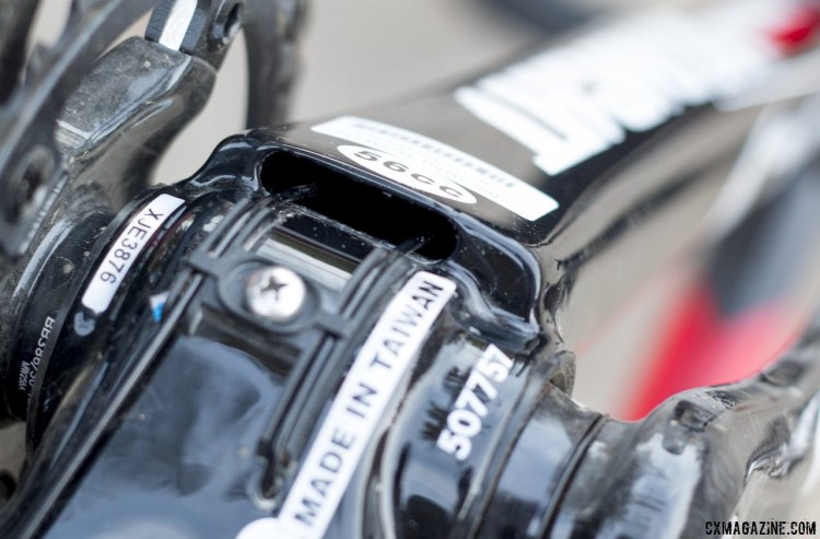 The derailleur cables of the Ultegra group are routed internally in the downtube. © Cyclocross Magazine
