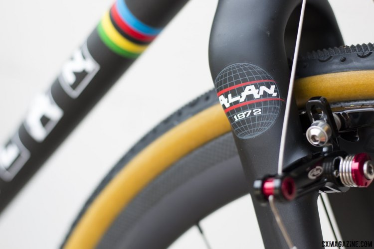 Since 1972, Italy's Alan features a longer cyclocross pedigree than any American brand. Alan Super Cross carbon cyclocross bike. © Cyclocross Magazine