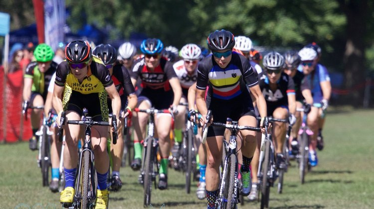 Maria Larkin (Chicago, IL) and Danni Arman (St. Charles, IL) lead the 25 women racing in the Cat 1/2/3 field at the start.