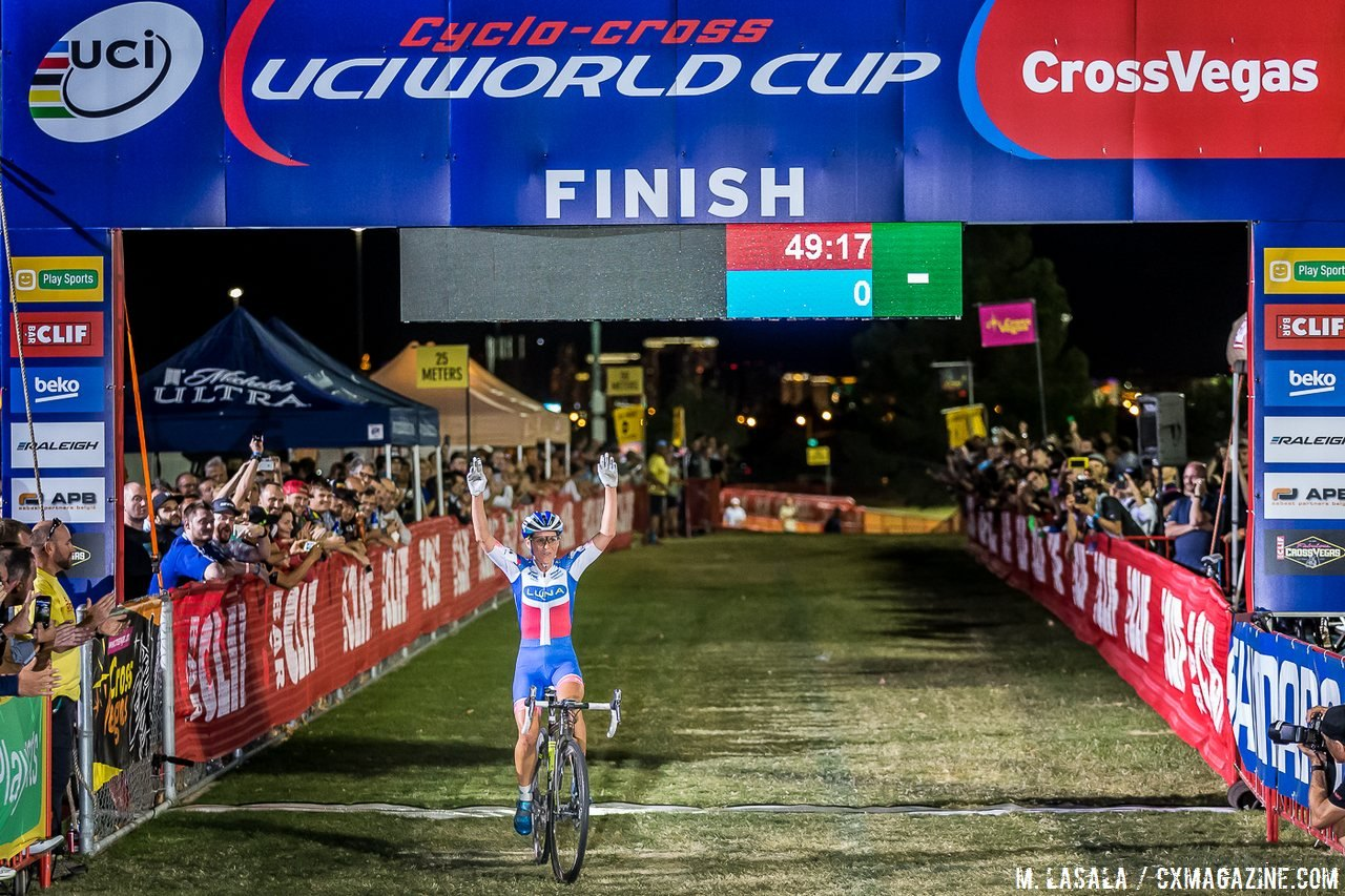Nash has always used CrossVegas to kick off her season, and comes back for a home course win at the World Cup. © Matthew Lasala / Cyclocross Magazine