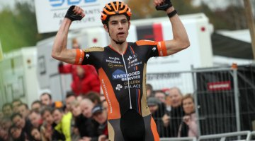 Wout van Aert won Superprestige Zonhoven with time to spare. © Bart Hazen