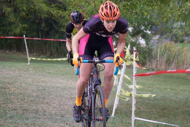 Amanda Schaap (Jenison, MI) took the lead from Maria Larkin (Chicago, IL) early in the first lap setting the stage an epic chase in the Women's 1/2/3.