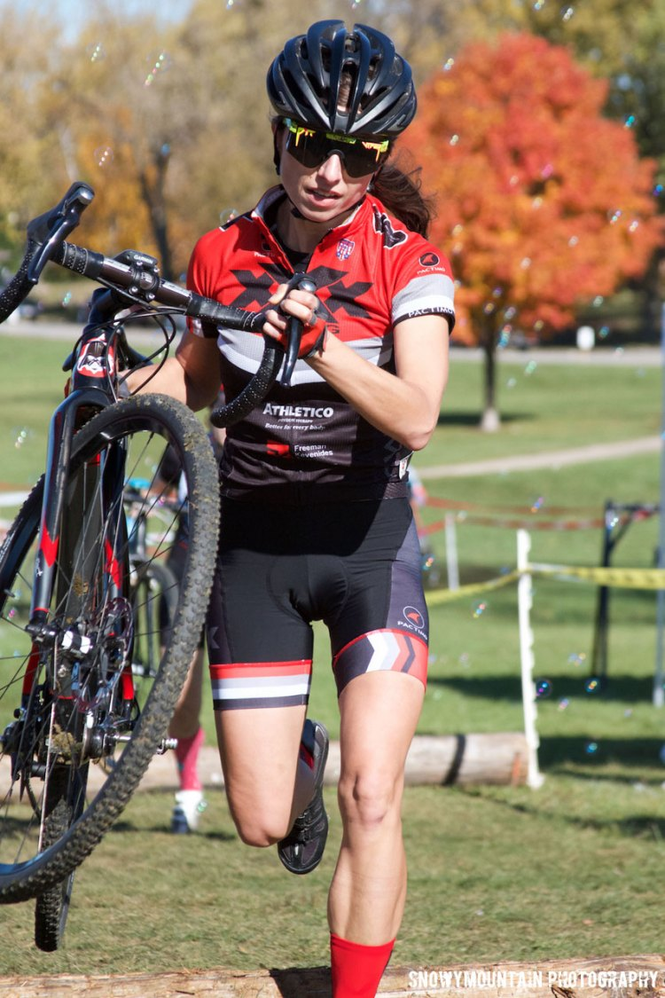 Monika Kowalska (Chicago, IL) got her first cycling win and her first CX podium with a victory in the Women's Cat 4 race. © SnowyMountain Photography