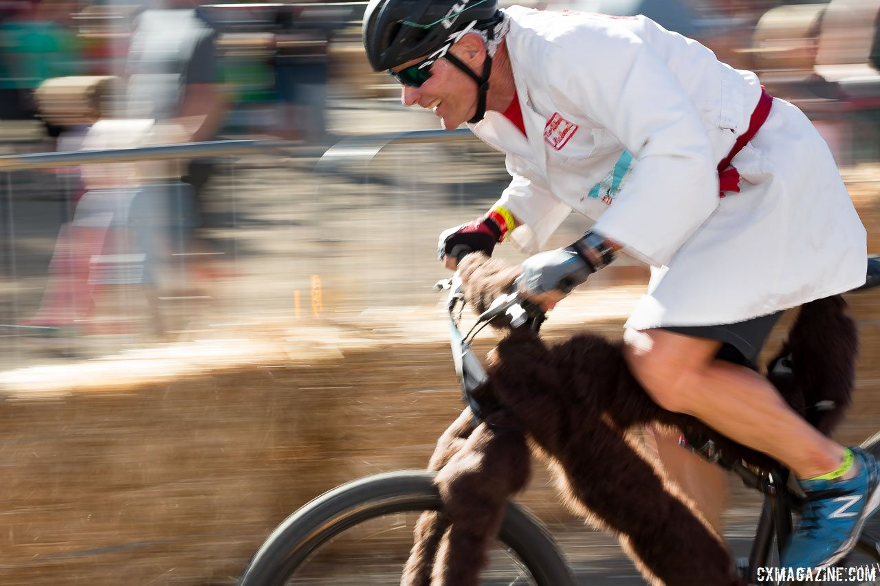 clifbar-founder-gary-erickson-took-his-turn-experiencing-the-joy-and-challenge-of-his-own-creative-event-2015-clifbar-cykel-scramble-a-yee-cyclocross-magazine