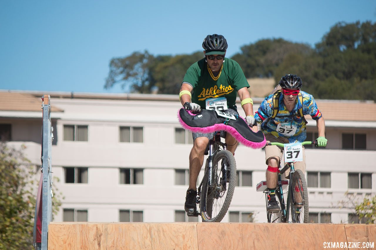 the-lyft-helped-on-the-courses-two-flyovers-2015-clifbar-cykel-scramble-a-yee-cyclocross-magazine